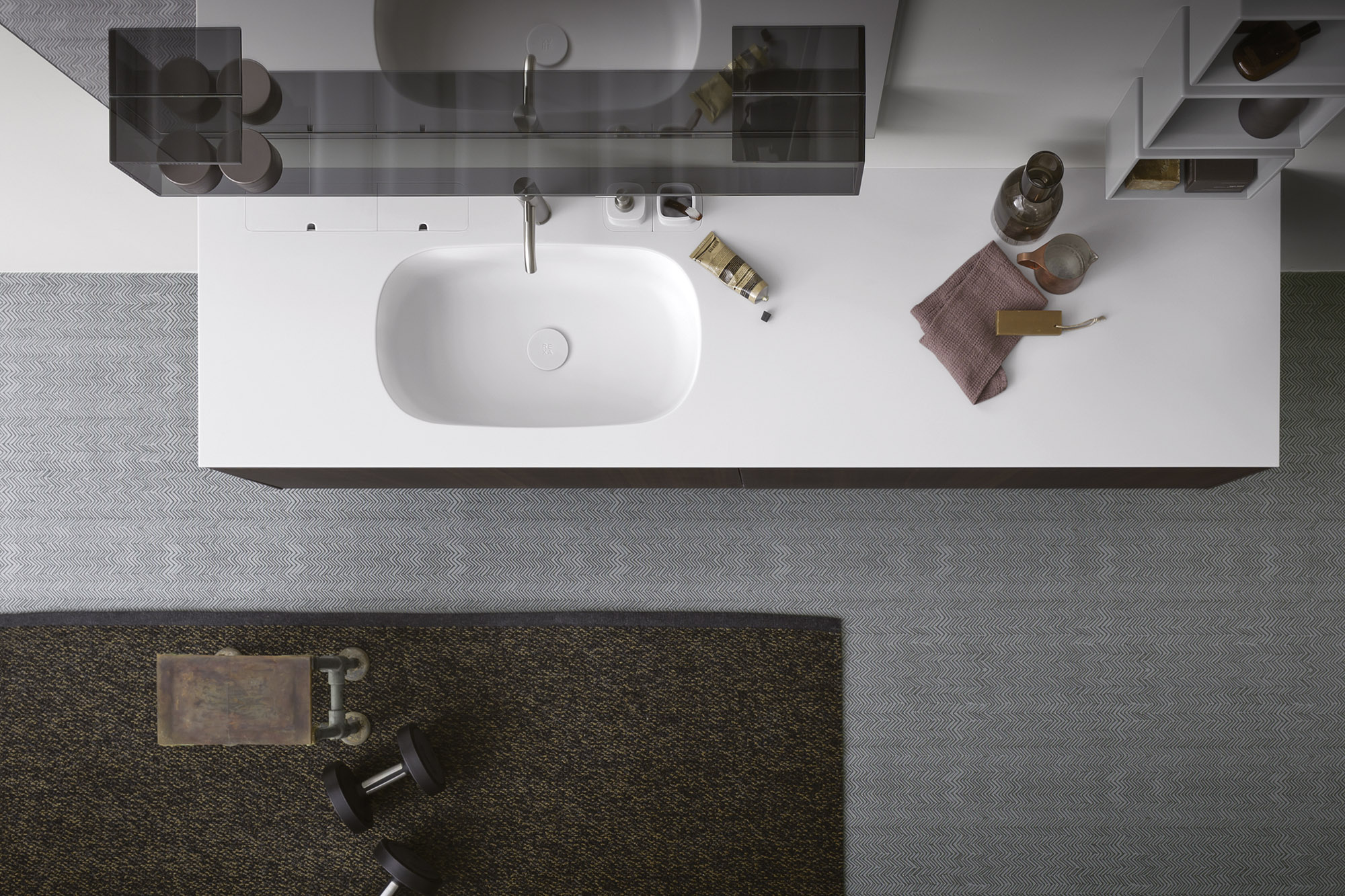 Corian® top with Moode washbasin